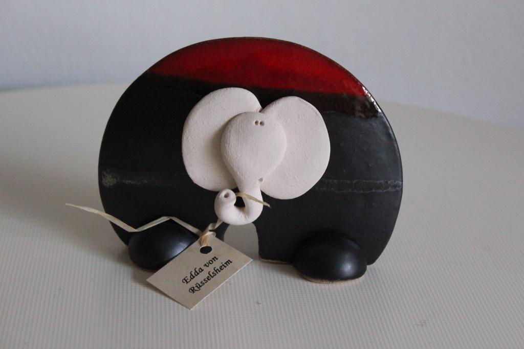 Lustiger Elefant aus glasierter Keramik (handgefertigt) Sammlerstück ...